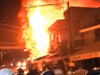 Cháy nhà, 3 người trong một gia đình tử vong