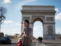 Lệnh phong tỏa 15 ngày tại Pháp bắt đầu có hiệu lực