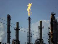 Một triệu lao động trong ngành dịch vụ dầu khí có thể bị mất việc làm