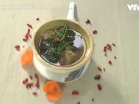 Cách nấu canh gà ngải cứu giúp tăng cường sức khỏe mùa dịch
