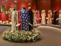Tôn vinh giá trị văn hóa áo dài Việt Nam