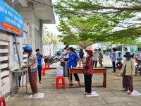 Máy 'ATM gạo' cho người khó khăn ở Bình Thuận