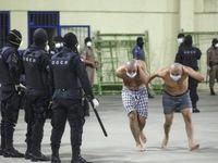 """""""Quả bom"""" COVID-19 phát nổ trong các nhà tù Mỹ Latin"""