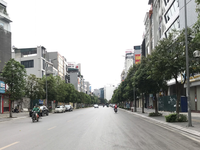 Hanoi street in days of fighting with COVID 19