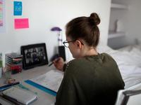 Pháp hủy thi tốt nghiệp THPT vì COVID-19