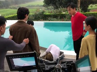 Nhà trọ Balanha: Sự thật cảnh quay Nhiên nằm trong vali, rơi xuống bể bơi