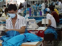 Vietnam strives to boost exports as COVID-19 continues to strike