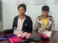 Bắt giữ hai đối tượng mua, bán trái phép hơn 5.400 viên ma túy tổng hợp