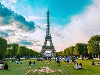 Tháp Eiffel mở cửa đón khách trở lại sau 3 tháng phong tỏa vì COVID-19