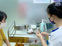 Không chỉ trẻ nhỏ, người lớn cũng đừng quên tiêm vaccine bạch hầu