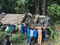 Vị trí xảy ra tai nạn xe khách lao xuống vực tại Kon Tum là 'điểm đen' phải xóa bỏ