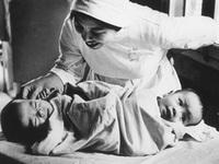 Từ kỳ tích 'Song Nhi', nhớ về ca mổ lịch sử tách cặp song sinh Việt - Đức 32 năm trước