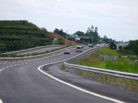 Transport Ministry to call for bids for five north-south expressway projects