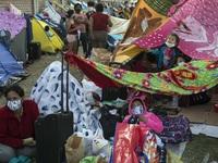 Peru: Bệnh nhân COVID-19 cắm trại bên ngoài bệnh viện do quá tải