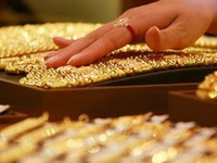 Chênh lệch biên độ giá vàng cực lớn, lộ chiêu nhà vàng ăn lãi khủng