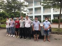 5 người Trung Quốc nhập cảnh trái phép, đang 'lẩn' về Hà Nội thì bị CSGT bắt giữ