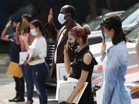 Gần 12 triệu người mắc COVID-19 trên toàn cầu, chuyên gia cảnh báo Mỹ vẫn lún sâu ở làn sóng thứ nhất