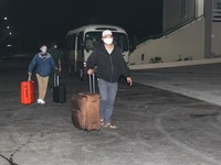 More than 240 Vietnamese citizens brought home from Singapore