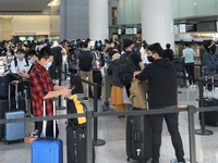 More stranded Vietnamese citizens flown home from the US