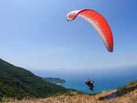 Over 100 paragliders compete in national tournament