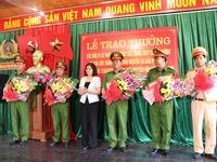 Khen thưởng đơn vị điều tra, giải cứu thành công cháu bé 2 tuổi bị bắt cóc ở Bắc Ninh