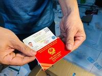 Triệt phá đường dây làm giấy tờ giả 'khủng' từ con dấu, biển xe đến thẻ nhà báo