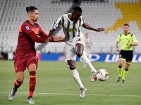 Chuyển nhượng Man Utd: Juventus muốn đổi ngôi sao 40 triệu Euro lấy Chris Smalling