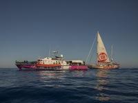 Cháy tàu chở người di cư ở ngoài khơi Italy, ít nhất 3 người thiệt mạng
