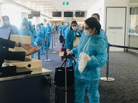 Over 340 Vietnamese citizens brought home from Australia, New Zealand, Tonga
