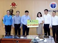 Chiến dịch 'Bảo vệ y bác sĩ 24h' tiếp tục trao tặng 5 tỷ đồng hỗ trợ blouse trắng nơi tuyến đầu chống dịch