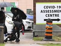 Số ca mắc mới COVID-19 tăng mạnh, Canada cấp phép sử dụng thiết bị xét nghiệm nhanh