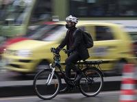 Tai nạn xe đạp ngày càng nhiều tại Pháp trong dịch COVID-19