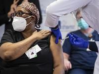 Mỹ trước áp lực chậm triển khai tiêm vaccine COVID-19