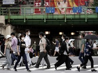 Người dân Nhật Bản e ngại vaccine COVID-19 gây phản ứng phụ