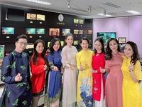 Dàn nữ BTV Thời sự xinh đẹp hòa giọng hát trong 'Chiều cuối năm'
