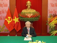 Cambodian PM congratulates Vietnam on success of 13th National Party Congress