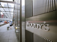 Moody's raises outlook for Vietnam to positive