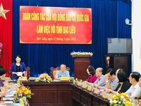 Vice President works with election committees of Bac Lieu and Ca Mau
