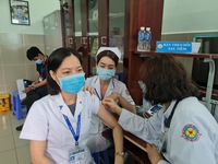 Nearly 38,000 people vaccinated against COVID-19 in Vietnam