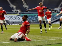 Man Utd beat Spurs, West Ham maintain top-four charge