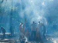 Đằng sau câu chuyện COVID-19 lây lan 'như cháy rừng' tại Ấn Độ