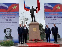 Statue of Pushkin unveiled in Hanoi