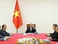 Vietnamese, Singaporean PMs hold phone talks on bilateral cooperation