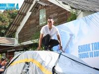 Chàng trai Việt kiều với bạt làm nổi ô tô được dàn Shark tranh nhau xuống tiền
