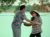 Thương con cá rô đồng - Tập 7: Ông Lu ép Thương lên xe, Lắm xô dì Tư ngã