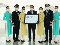 Vietnam Airlines gets five-star COVID-19 airline safety rating