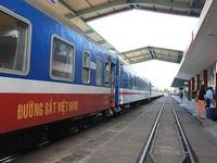 Đường sắt chạy tàu chuyên biệt phục vụ người dân vùng dịch về quê