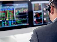 Cổ phiếu ngân hàng dẫn dắt thị trường, VN-Index vượt mốc 1.300 điểm