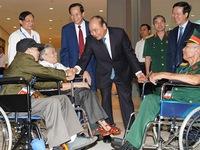Chủ tịch nước Nguyễn Xuân Phúc ký quyết định tặng quà người có công với đất nước