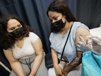Tỷ lệ tiêm chủng ở Mỹ tăng mạnh do lo ngại về biến thể Delta